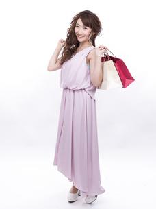 買い物する女性の写真素材 [FYI00941984]