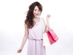 買い物する女性の写真素材 [FYI00941995]
