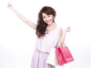 買い物する女性の写真素材 [FYI00941998]
