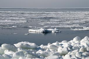 接岸した流氷の写真素材 [FYI00942071]