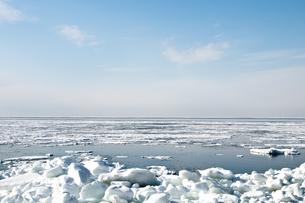 接岸した流氷の写真素材 [FYI00942073]