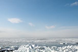 接岸した流氷の写真素材 [FYI00942074]