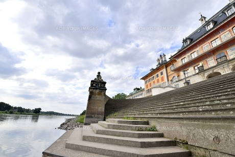 ピルニッツ宮殿「水の宮殿」(ドイツ・ドレスデン)の写真素材 [FYI00942124]
