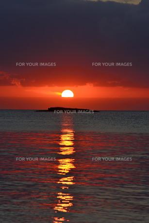 宮古島/日の入りの写真素材 [FYI00942299]