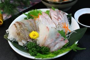 鯛の刺身の写真素材 [FYI00942321]
