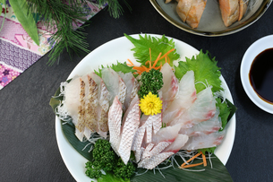 鯛の刺身の写真素材 [FYI00942323]