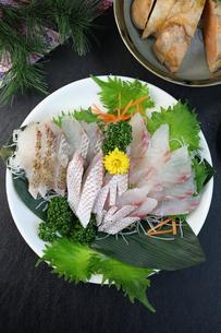鯛の刺身の写真素材 [FYI00942324]