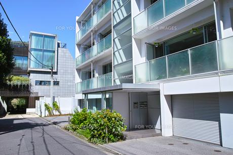 東京都港区元麻布の住宅街の景観の写真素材 [FYI00942649]
