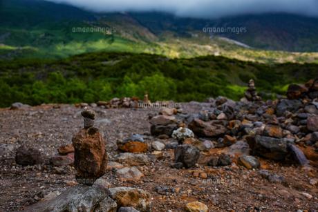 積み上げた石の写真素材 [FYI00942728]