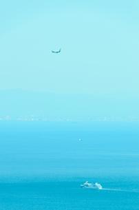 ジェット機とクルーズ船の写真素材 [FYI00942943]