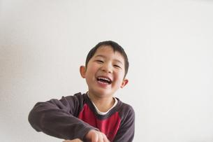 笑う男の子の素材 [FYI00944240]