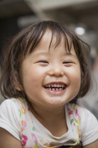 笑う女の子の素材 [FYI00944327]