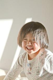 笑う少女の素材 [FYI00944360]