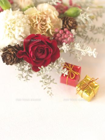 花のクリスマス飾りの素材 [FYI00949513]