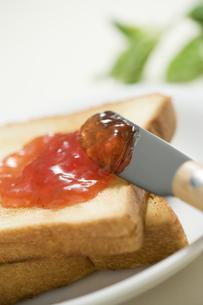 ジャムをつけるトーストの素材 [FYI00950582]
