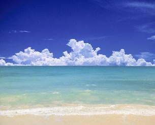 ビーチと雲の素材 [FYI00954611]