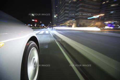 夜のドライブの素材 [FYI00956517]