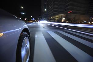 夜のドライブの素材 [FYI00956545]
