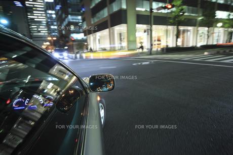 夜のドライブの素材 [FYI00956560]