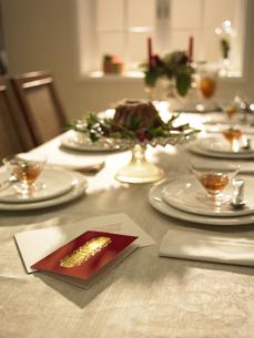 クリスマスのテーブルセッティングの素材 [FYI00958742]