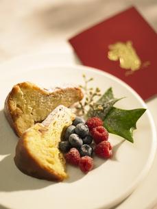 ケーキとメッセージカードの素材 [FYI00958773]