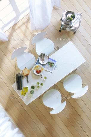 上から見た窓辺のテーブルの素材 [FYI00959909]