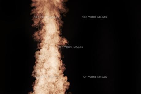 立ち上る赤い煙の素材 [FYI00961413]