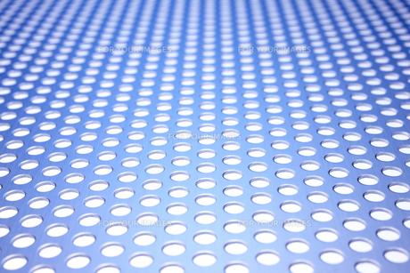 丸い穴が開いたアルミ板の素材 [FYI00961664]