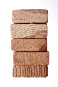 重なる木片の素材 [FYI00961730]