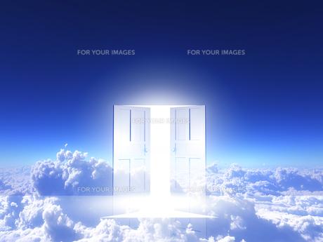 光が射し込むドアの素材 [FYI00963415]