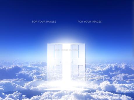 光が射し込むドアの素材 [FYI00963501]