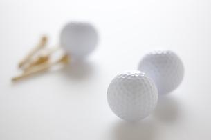 ゴルフボールとティーの素材 [FYI00968669]