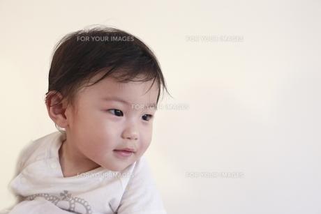笑顔の男の赤ちゃん Fyi00970143 ロイヤリティフリー素材 写真素材
