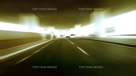 道路走行(ドライブイメージ)の素材 [FYI00970934]