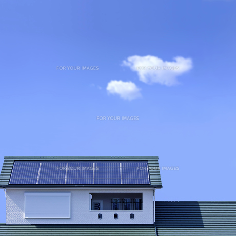 太陽光発電の住宅の屋根の素材 [FYI00971818]