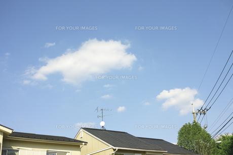 家と空の素材 [FYI00975086]
