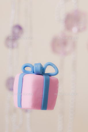 プレゼントボックスの飾りの素材 [FYI00980918]