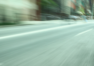 流し撮りした道路の素材 [FYI00981161]