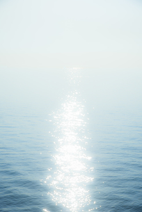 輝く海面の素材 [FYI00983735]