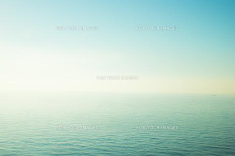 青い海と青い空の素材 [FYI00983789]
