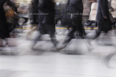 東京の通勤風景の写真素材 [FYI00986357]