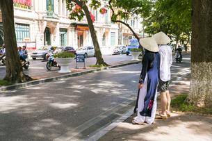 ベトナムの風景とアオザイ街並み街並みの写真素材 [FYI00986374]
