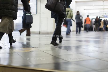 東京の通勤風景の写真素材 [FYI00986378]