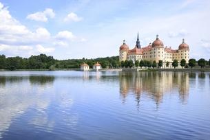 モーリッツブルク城(ドイツ・ザクセン州ドレスデン郊外)の写真素材 [FYI00986527]