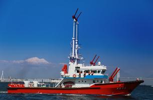 横浜市消防局の消防艇よこはまの写真素材 [FYI00987308]
