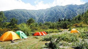 キャンプ テント アウトドアの写真素材 [FYI00987553]