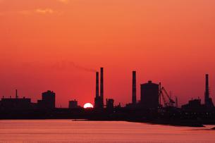 工場の落日 の写真素材 [FYI00987895]