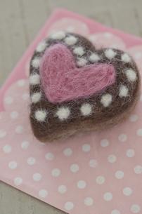ニードルフェルトのバレンタインチョコレートの素材 [FYI00990429]