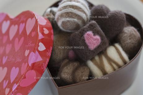 ニードルフェルトのバレンタインチョコレートの素材 [FYI00990482]