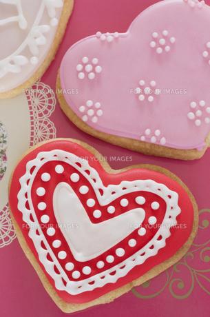 ハートのバレンタインアイシングクッキーの素材 [FYI00990487]